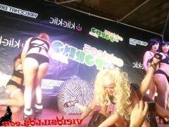 Orgia lesbica en el SEV 2013
