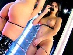 adele/mirror in black
