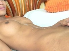 shemale huge cumshot (one of my favourites)