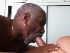 BLK DADDY SUCK WHITE DADDY!