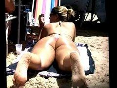 bundas na praia-p quem gosta de carne -9