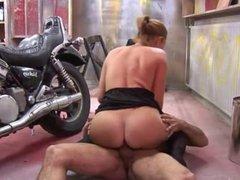 Dutch Sex In The Car Garage