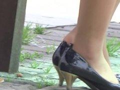 Sexy asian girl's public pantyhose shoeplay