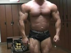 IFBB Pro Greg Doucette Posing 2 weeks out Flexing
