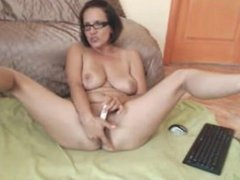 Brunette milf toys on webcam. Shelly LIVE on 720cams.com