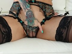 Tattooed MILF Sarah Jessie gets an energetic fucking