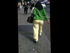 Yellow bottom milf booty. Martina from DATES25.COM