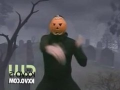 Pumpkin Man Dancing to some nice dank music