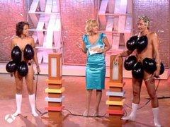 Fatal Distraction - balloon strip quiz