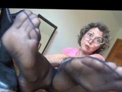 My Auntie's STINKY SMELLY NYLON FEET