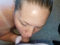 Smooth mostly hands free blow job.