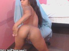 Horny Ebony On Webcam Wants To Fuck!