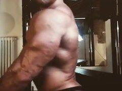 Bodybuilder Flexing Tons of veins
