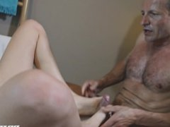 Mira Sunset: Massage Therapy Leads To Squirting Orgasms