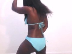 Ebony Beauty Twerks For Me (A Wetflix Exclusive)