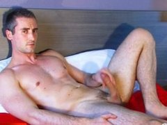 A innocent str8 delivery guy serviced his cock by a guy in spite of him!