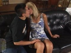 -kin8tengoku 1250 ERIKO Kissing Scene