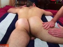 The handsome str8 delivery guy get serviced by a guy!
