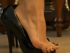 Dangling and Shoeplay in High Heels
