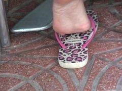 Flip-flop scrunch champ
