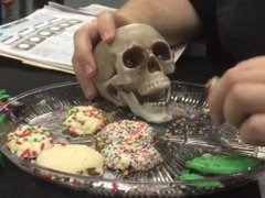 Skull fucking a cookie