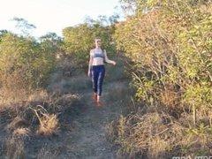 Emily Bloom Nature Hike (theemilybloom.com)