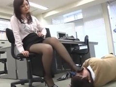JAPANESE SCHOOLGIRL LOVES THE TASTE OF HER TEACHER'S SWEATY FEET