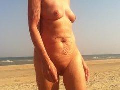 mature beachlover deedraa granny oma sex