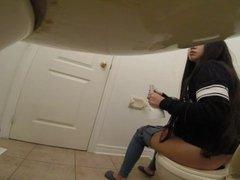 Asian teen bathroom spy cam