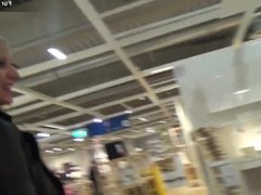Verbotener Sex in der IKEA Badezimmer Abteilung