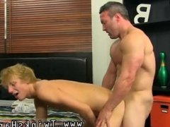 Free download muscular hot gay sex in 3gp