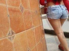 La Nena Del Body Rojo
