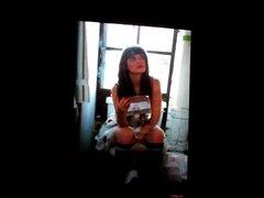Zooey Deschanel on a toilet cum tribute