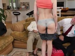 Taylor bow blowjob Frankie goes down the