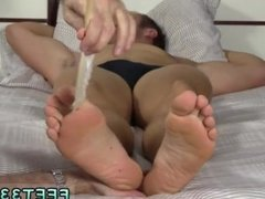 Older guys cumming on other guys feet gay