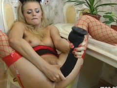 Niki prolapses her asshole and squirts from a brutal dildo