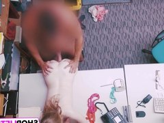 Shoplifter Dolly Leigh Gets Nailed By The LP Officer