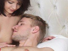 18 Videoz - Lesbian bath and sexy threeway