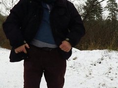 Pee with cock and ass showing outdoor in wintertime