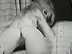 SPIRIT IN THE SKY - vintage 60's gyrating pussies tease