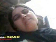 Very Hot Punjabi Village BhabhiIndian  live on Sexcams19,com