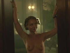 Christina Ricci FULL FRONTAL NUDE 2017