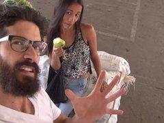 CARNE DEL MERCADO - La morena latina Juanita Gomez reventada por Pedro Nel