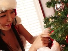 Japanese cutie Marica celebrates Christmas with a sexy solo