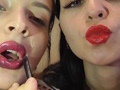 Messy Lipstick Kissing 3