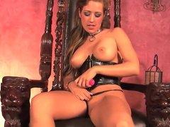 Brunette hottie Capri masturbates on her throne