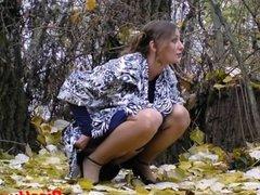 Amateur Outdoor Pissing Voyeur Video