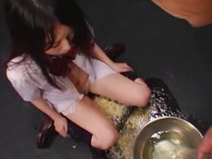 Japan honey girl swallow 1.5 liters of piss... AMAZING!