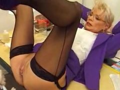 Eva Delage000 fisting and pissing with long nails