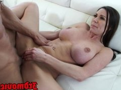 MILF Kendra Lust Loves To Get Fucked
